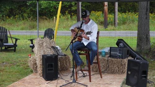 Mike Ames at Deer Creek Winery Fall Fest 2015