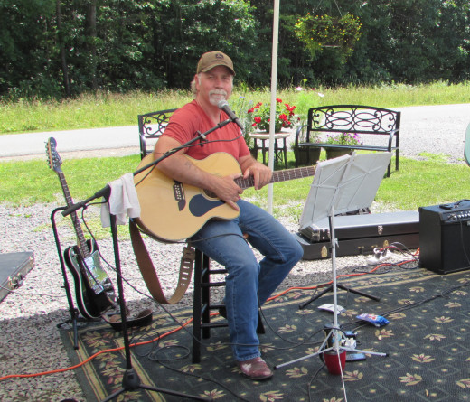 Bryan Phillips at Live Music Weekends