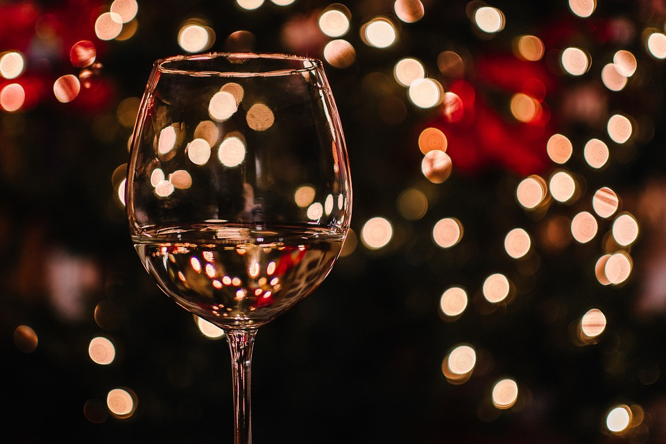 Christmas Gifts For Wine Lovers.11 Holiday Gift Ideas For Wine Lovers Deer Creek Winery
